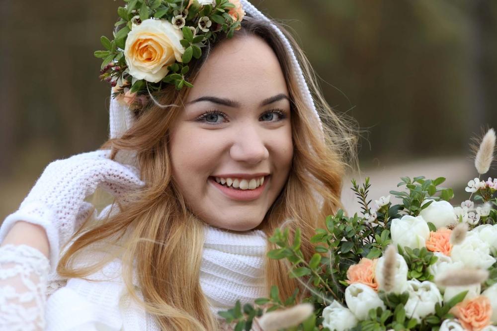 Kiitos upealle mallimorsiamelle Fanny Passojalle ja Mom's Gardenille kauniista kukista. Valokuvat Malena Haglund